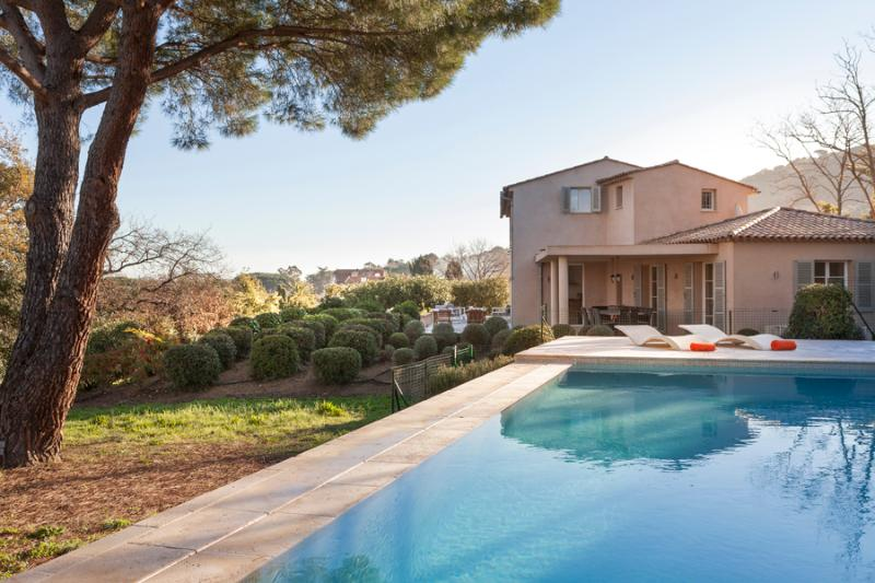 Superb Villa with a Pool and Balcony, in Downtown Saint Tropez - Image 1 - Saint-Tropez - rentals