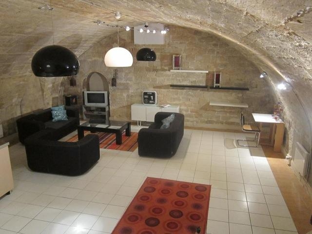 60m2 (650sqft) living room and kitchen area - Charming large triplex loft in Marais gastro haven - Paris - rentals