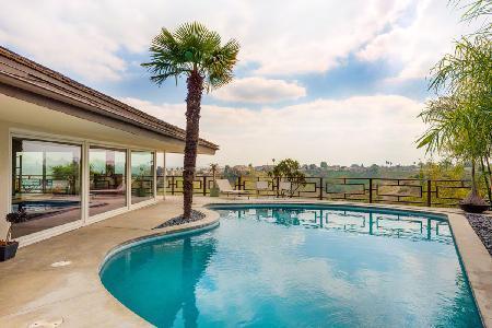 Midcentury Modern LA Oasis with saltwater pool, outdoor shower & hot tub overlooking city lights - Image 1 - Los Angeles - rentals