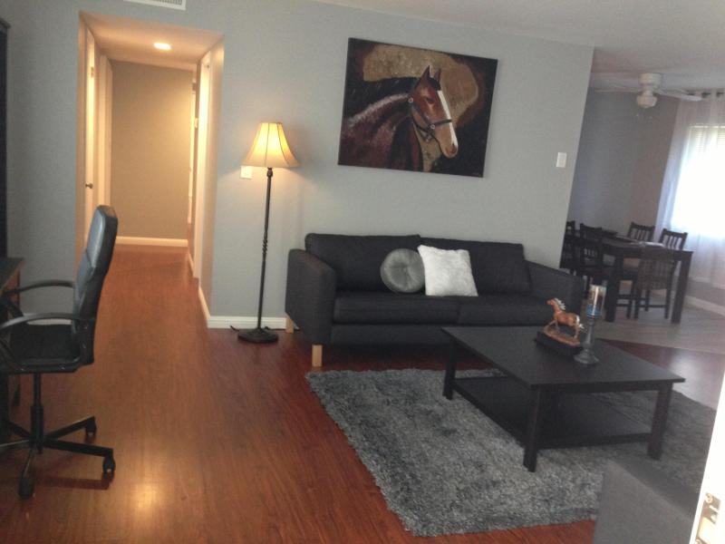 Entry of apartment - Welcome to your new home-Stay as long as you want - Redwood City - rentals