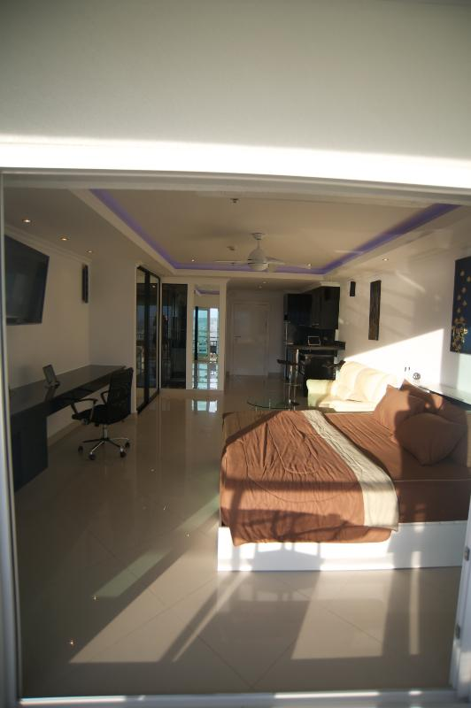 Luxury Studio Pattaya central3 - Image 1 - Pattaya - rentals