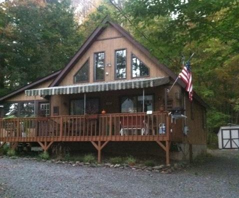 Cottage chic at the lake! - Image 1 - Lake Ariel - rentals
