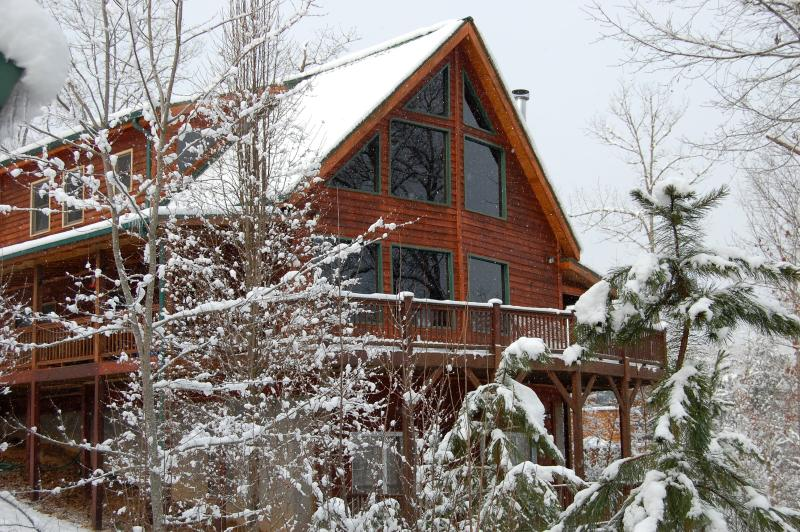 Winter Wonderland Front Of Cabin - Rocky Mountain Style Lodge - Murphy - rentals