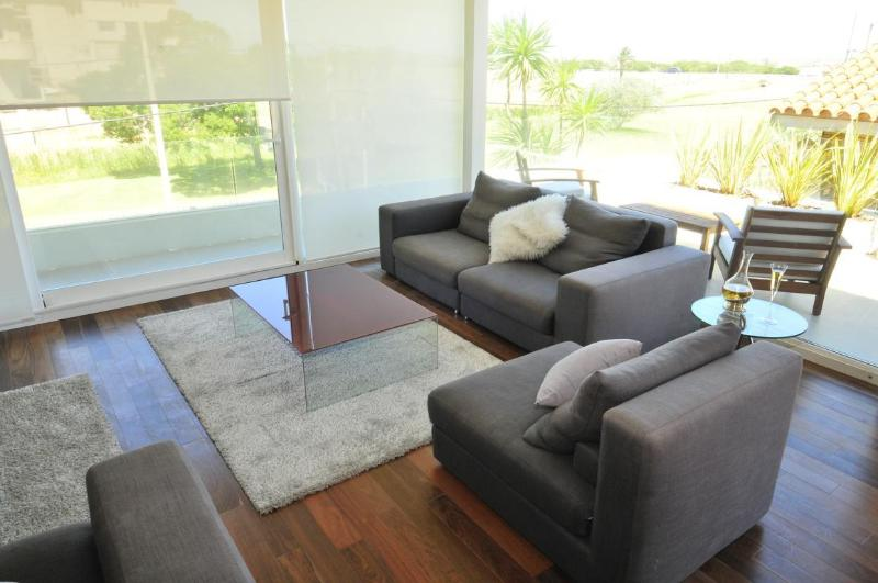 LivingRoom with waterfront views - Luxury Waterfront Furnished 3BDR Apartment Lido101 - Montevideo - rentals