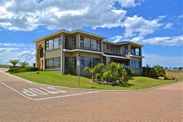 SeeBreez, 'Home away from Home' - Room with 2 single beds and view of the Ocean! - George - rentals