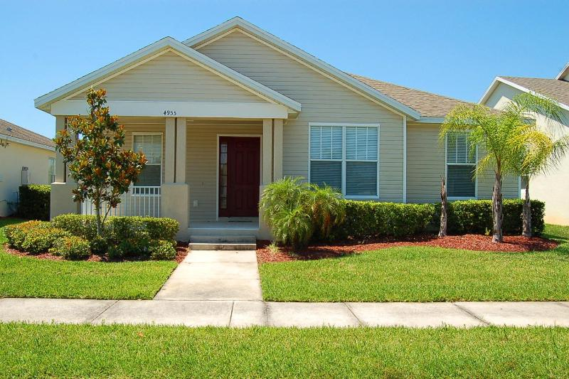 3 Bedroom Home with a Private Pool, Orlando - Image 1 - Kissimmee - rentals
