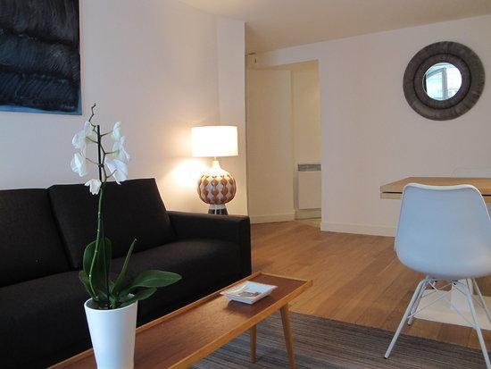 Superb 2 Bedroom Paris Apartment - Image 1 - 7th Arrondissement Palais-Bourbon - rentals
