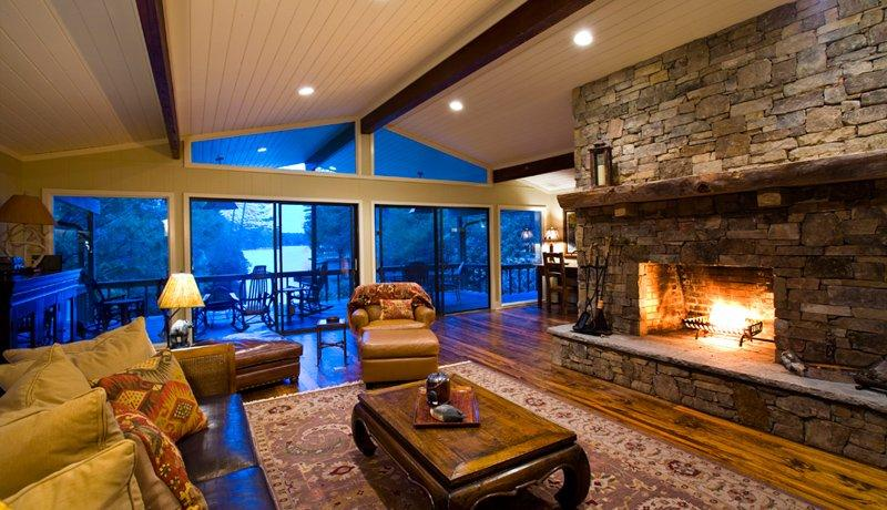 Warm and inviting living room with views of Lake Toxaway - Happy Bear Cove - Lake Toxaway - rentals