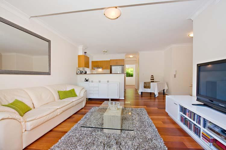 L shape lounge dining (please note - now slightly different furniture) - Fantastic Large One Bedroom Apartment - Randwick - rentals