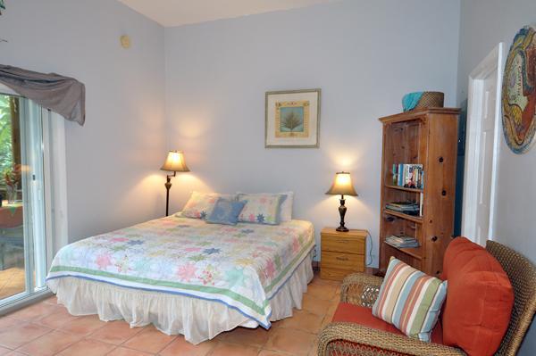 Spacious High ceiling Bedroom - Eden Lounge - Cruz Bay - rentals