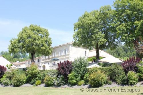 Girondine Chateau with Tennis Court and Pool FRMD106 - - Image 1 - Gironde - rentals