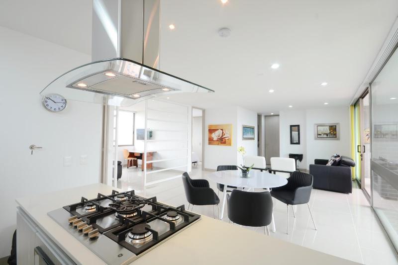 Bright 2 Bedroom Apartment in Oviedo - Image 1 - Medellin - rentals