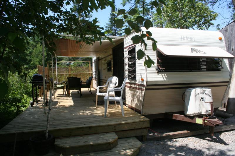 The DragonFly - Deck - The Dragonfly - Muskoka - Tea Lake Cottages - Big Chute - rentals