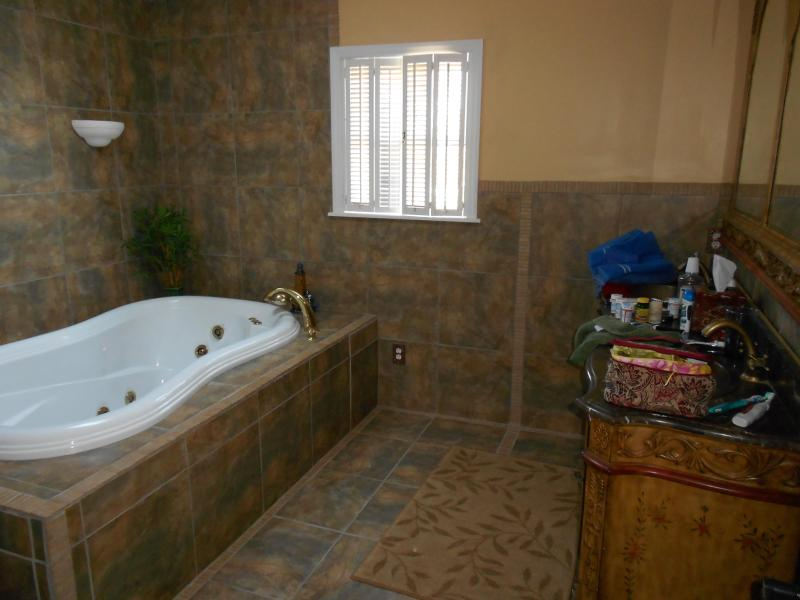 master bath with whirlpool - Kure Beach - ocean view - Kure Beach - rentals