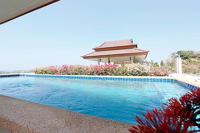 2 bedroom penthouse with private pool on the roof - Image 1 - Hua Hin - rentals