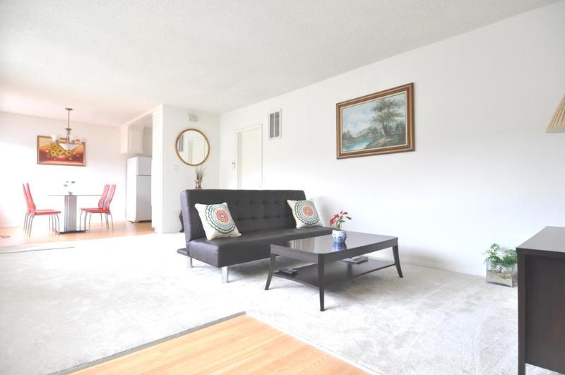2+2 Suite+Parking+Wifi+Top Floor  West Hollywood - Image 1 - West Hollywood - rentals