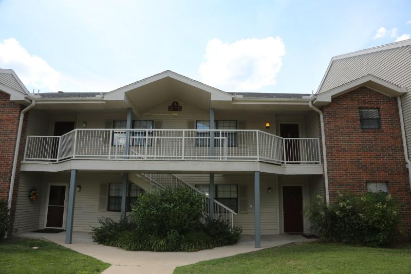 Branson Condo | Thousand Hills | Close to 76 Strip | Pool | Hot Tub (A11920) - Image 1 - Branson - rentals