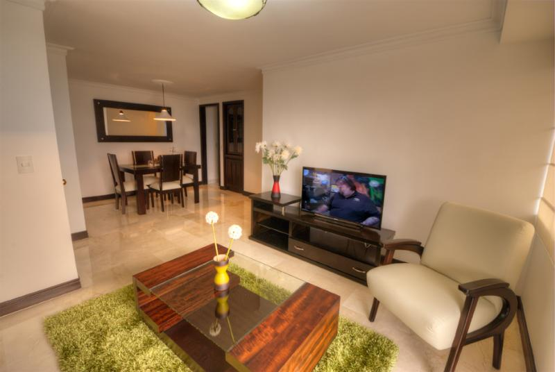Quiet Executive Getaway with Charm - Image 1 - Medellin - rentals