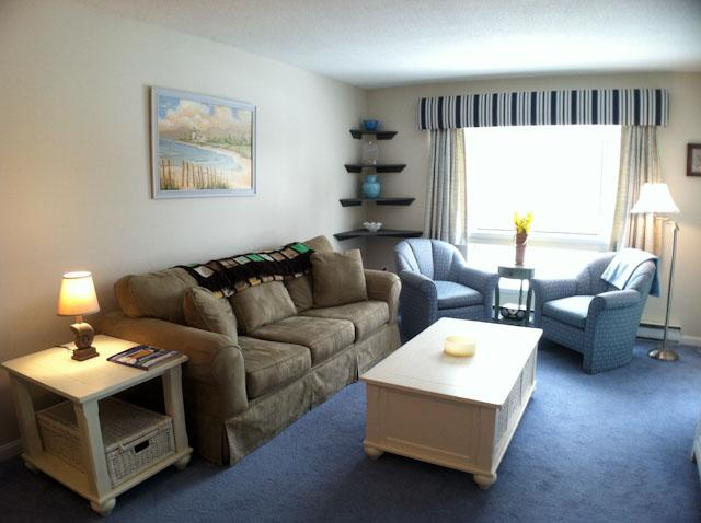 Living Area - Ocean Edge 1 BR apartment nicely decorated & updated - FL0557 - Brewster - rentals