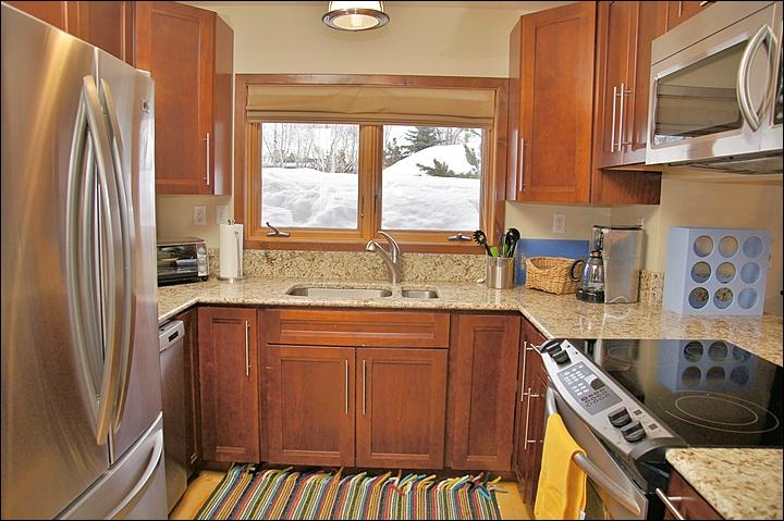 New Appliances, Cabinets, & Counters in the fully equipped Kitchen. - Renovated, Updated , Stylish Condo - Convenient Central Location (7230) - Steamboat Springs - rentals