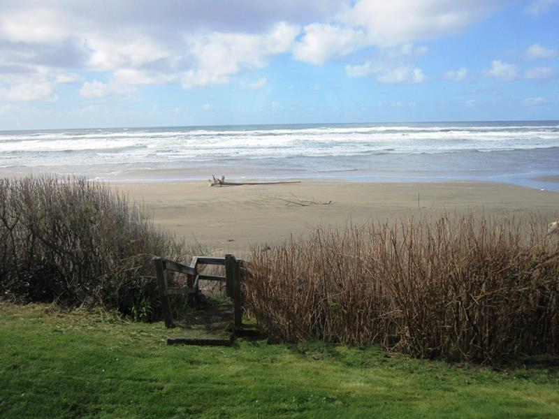 Big Stump Cottage - Private Stairs to the beach - BIG STUMP COTTAGE - Waldport - Waldport - rentals