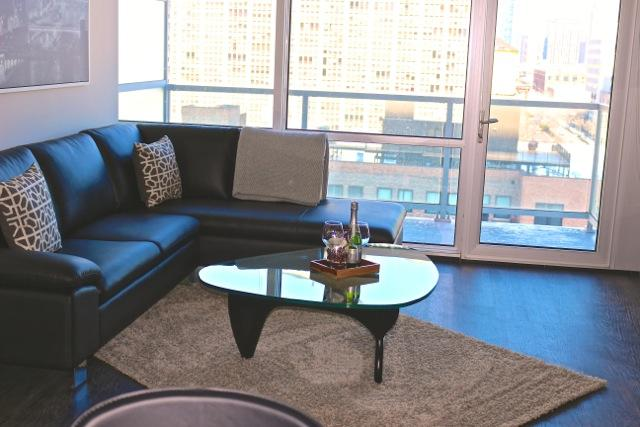 Luxurious Condo Balcony View and Pool - Image 1 - Chicago - rentals