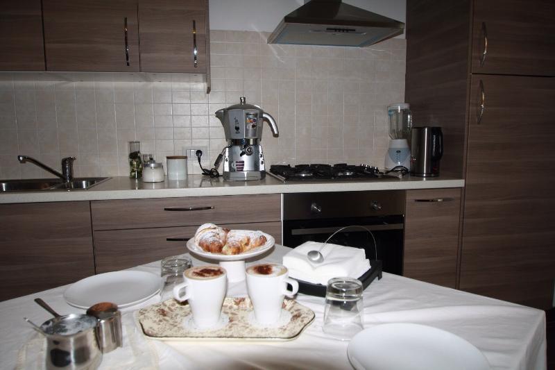 cappuccino machine - appartamento Giusy centralissimo - Sorrento - rentals