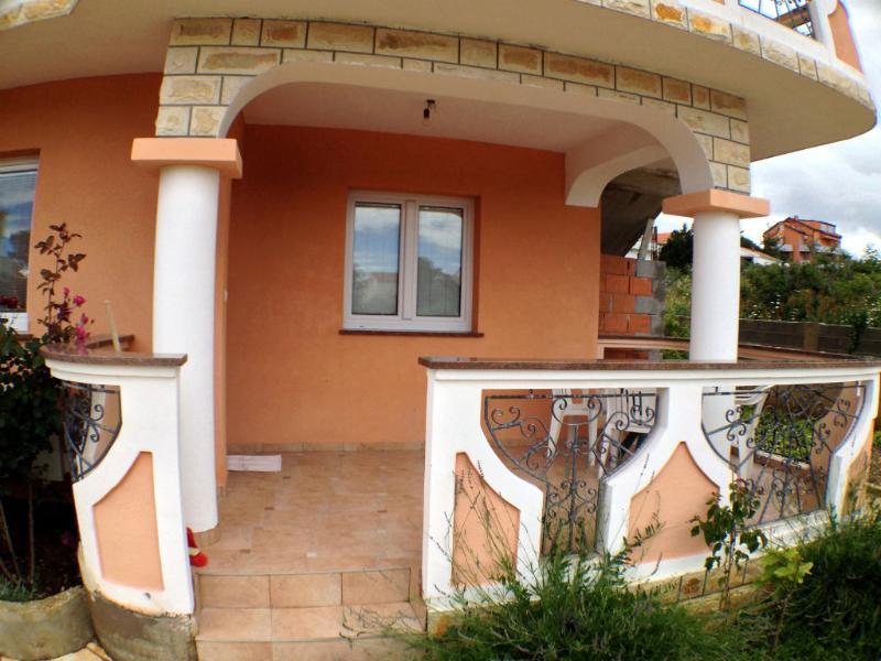 Nice and quiet apartment in Villa - Image 1 - Novalja - rentals
