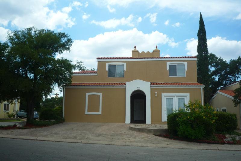 Gorgeous Mediterranean House! - Gorgeous Mediterranean House! - San Antonio - rentals