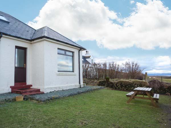 FLADDA-CHUAIN, wonderful walking country, stunning views, romantic cottage on Skye, Ref. 17717 - Image 1 - Balgown - rentals