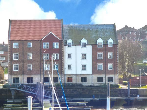 THE MOORINGS, contemporary accommodation, en-suite, private pontoon, in Whitby, Ref. 29680 - Image 1 - Whitby - rentals