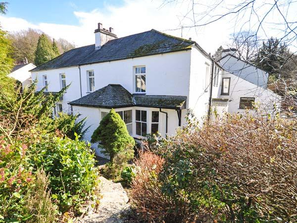 GAVEL COTTAGE, semi-detached, open fire, off road parking, front garden, in Bowness-on-Windermere, Ref 29998 - Image 1 - Bowness-on-Windermere - rentals
