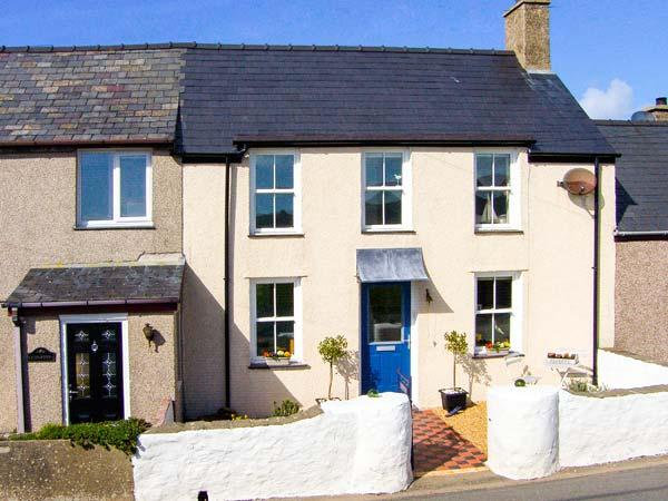 MUR LLWYD, welcoming cottage, close walking, beach, countryside, near Aberdaron - Image 1 - Rhoshirwaun - rentals