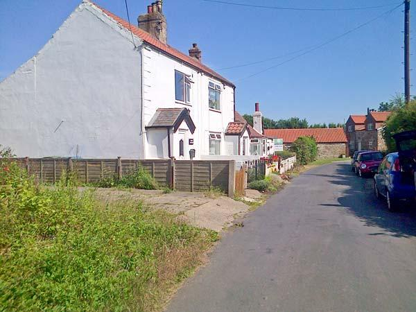 COSY COTTAGE, end-terrace, woodburning stove, WiFi, enclosed garden, in - Image 1 - Welwick - rentals