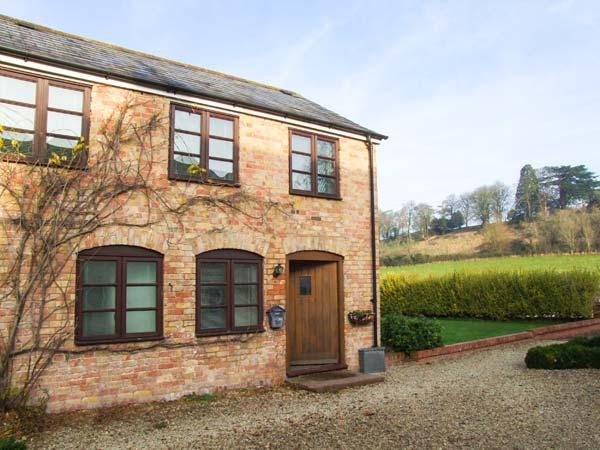 BLUEBELL COTTAGE, charming upside down cottage, country views, great touring base, in Newnham-on-Severn, Ref 903742 - Image 1 - Newnham - rentals