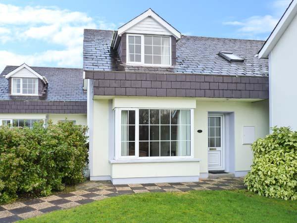 PARKLAND 2, detached, en-suite, WiFi, close to amenities, in Killarney, Ref 904105 - Image 1 - Killarney - rentals