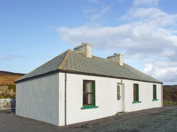 BIDDY'S COTTAGE, single-storey, detached property, sea views, pet-friendly, in Brinlack, Ref 904896 - Image 1 - Brinlack - rentals