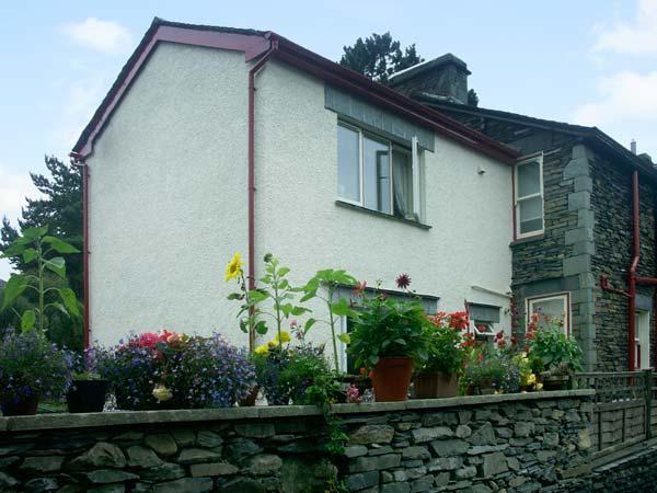 CHURCH VIEW, semi-detached, open plan living area, WiFi, parking, garden, in Ambleside, Ref 906111 - Image 1 - Ambleside - rentals