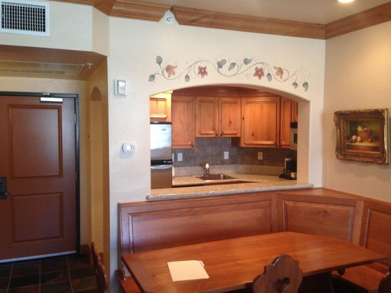 Villas at Zermatt Resort Condo #2015 2 Bedroom, 2 Bath, Kitchen Sleeps 8 Midway - Image 1 - Midway - rentals