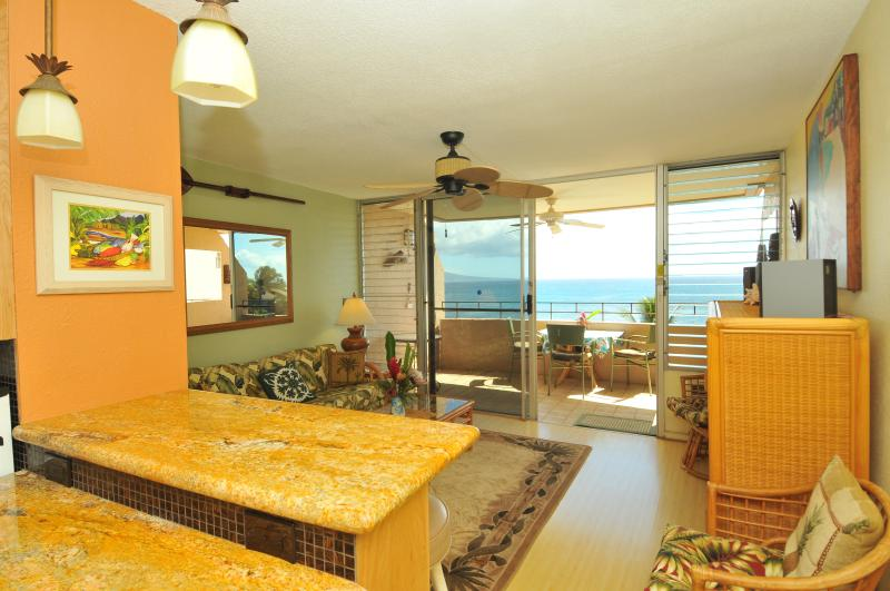 from kitchen looking out onto lanai & ocean with uninterrupted views - A Slice of Paradise in Oceanfront Condo (ISLAND SANDS) - Maalaea - rentals