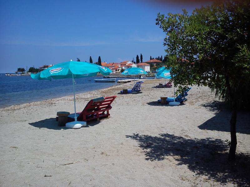 Island Ugljan - apartment for rent (2+1) - Image 1 - Sutomiscica - rentals