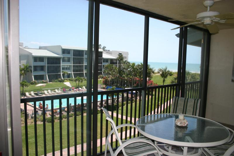 Beach, Gulf and Pool from Lanai - Free Bikes-Updated-Great Beach View-Book/Save-WiFi - Sanibel Island - rentals