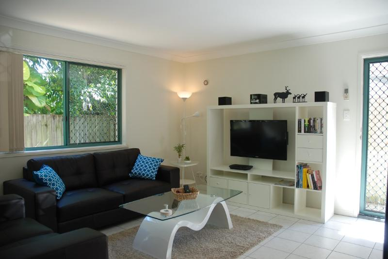 Easy Living in Vibrant Trendy Bulimba- From $170pn - Image 1 - Brisbane - rentals