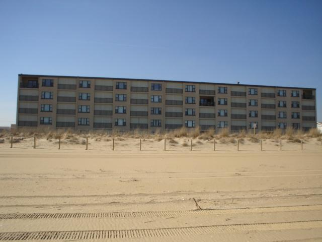 building from the beach - Ocean Trails 2 Bedroom 2 Bath direct ocean front condo - Ocean City - rentals