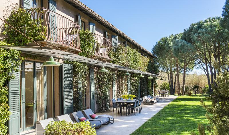 Splendid mansion in Saint-Tropez, 7 bdr, 14 p - Image 1 - Ardenais - rentals