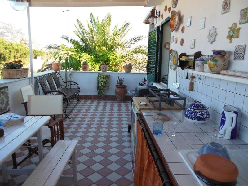 casa vacanza Lunastella a 100 metri dal mare - Image 1 - Palermo - rentals