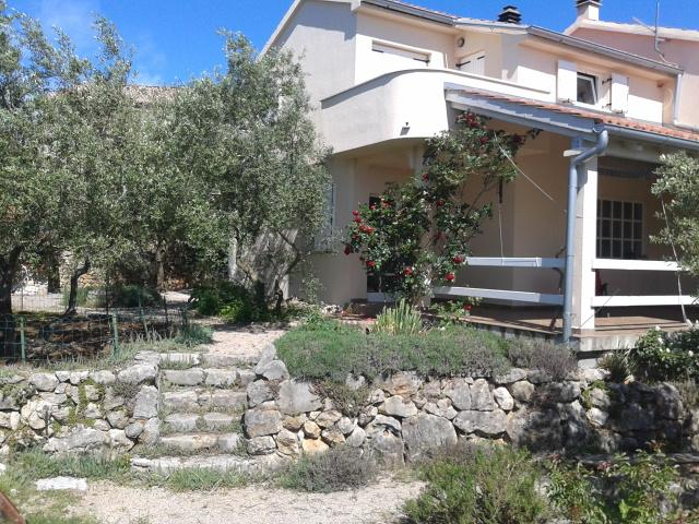 House with terasse, balcony, garden with olive trees, grill+nice fishpond. - Villa Matiz on Krk with great garden and SEA VIEW! - Krk - rentals