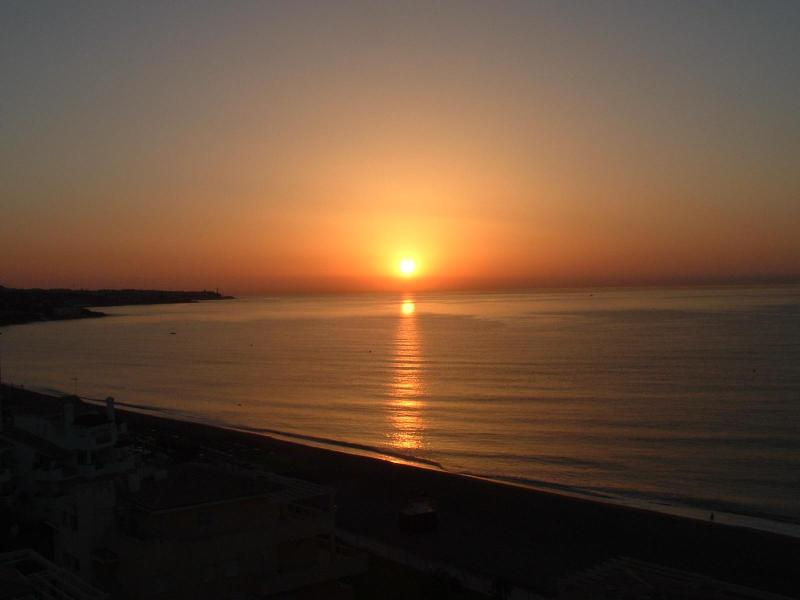 Sunrise from the apartment balcony - Top floor Penthouse studio apartment in La Cala. - La Cala de Mijas - rentals