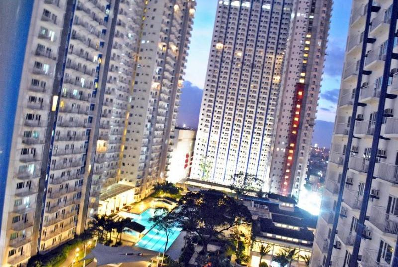 Night Window View - ♥ Indulge City Life through Inexpensive & Comfy Pl - Quezon City - rentals