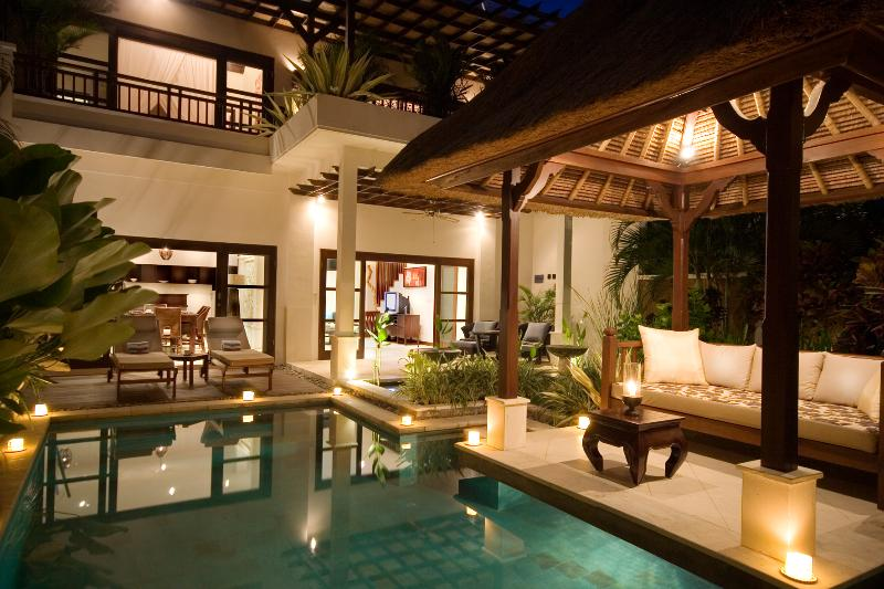 Romantic Two bedroom pool villa by night - Villa MELATI ~ 20 Steps to Vibrant Shopping & Restaurants !  Located Superbly - Seminyak - rentals